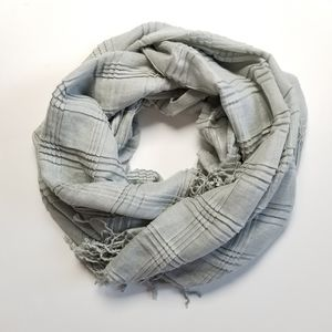 "Joe Boxer Light Grey Scarf with Fringe (76""x42"")"